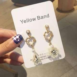 💌-鑲鑽 珍珠 縷空 愛心 山茶花 耳環  🍬韓國製🍬