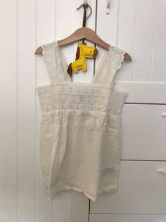 Never been used Old Navy girl top sz 8th (medium)