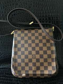 Louis Vuitton LV Damier 斜孭袋