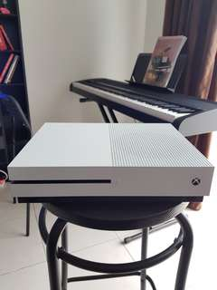 Xbox One with 25 games