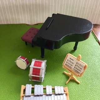 Sylvanian Families musical instruments