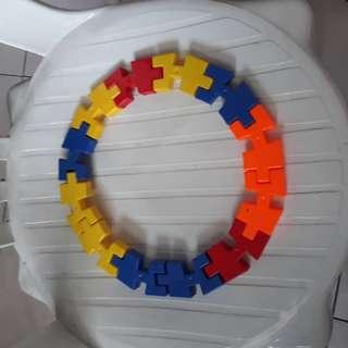 Mainan puzzles