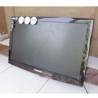 """TV Televisi SAMSUNG LCD 22"""""""