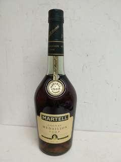 Martell  Medaillon VSOP Cognac 馬爹利白紙青樽干邑 700ml