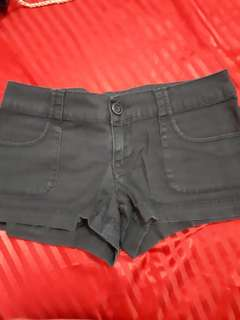 Mossimo black short