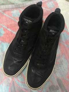 Penshoppe Black Highcut Shoes