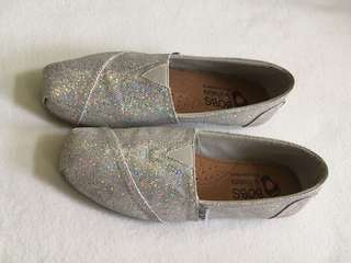 Authentic BOBS by sketcher Looks like Toms