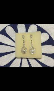 Dangling Earrings with real diamonds