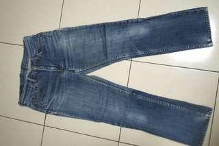 🚚 29腰日本製Levis直筒牛仔褲~147