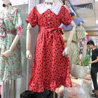 🚚 復古文青紅色洋裝