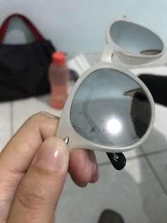 Ray bans sun glasses KW