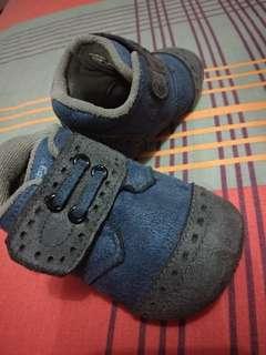 Sepatu navy no. 19