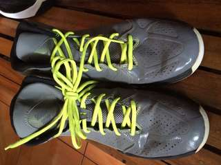 ADIDA Basketball shoes size 10 1600 only