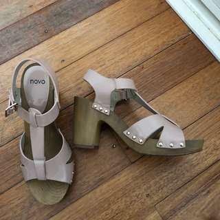 Novo pale pink heels size 9