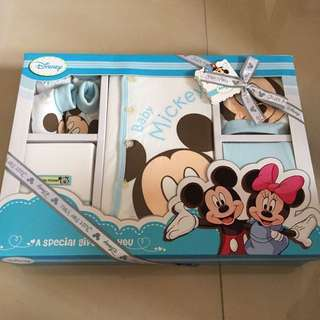 Baby gift set (Disney Mickey)