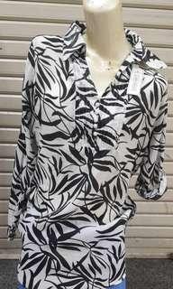 Exclusive Black White Shirt Size M - Kemeja