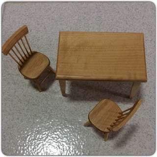 Dollhouse miniature table & chairs set