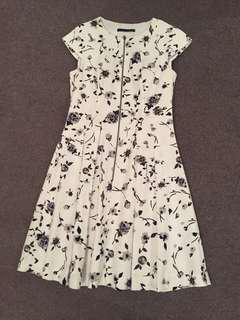 Cute white dress with front zip detail, great quality, originally $90, worn once, size 10