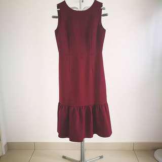 Dressing Paula Maroon V Neck Ruffled End Dress Size M