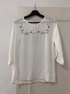 🚚 刺繡雪紡衫