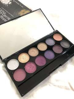 Sleek vintage romance eyeshadow palette