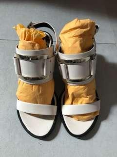 Authentic milk Color Roger Vivier Sandal size 35.5
