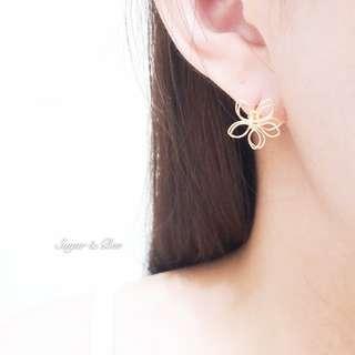 🚚 Sugar & Bee 針式 簡約 簍空花朵耳環