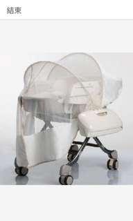 Combi手動餐搖椅9成新(含外罩)
