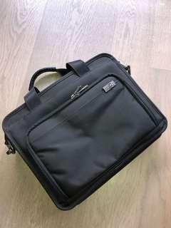 Victorinox Werks Professional Bag