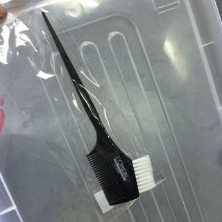 Brush for coloring hair