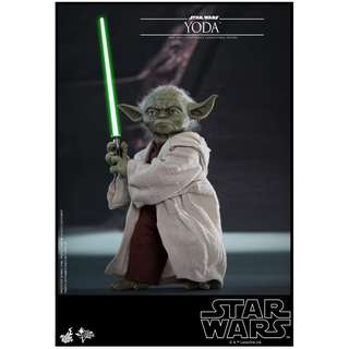 PO: Hot Toys – MMS495 – Star War Episode II: Attack of the Clones – 1/6 scale Yoda