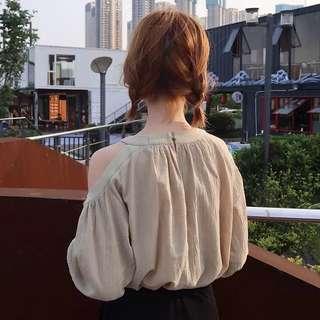 🚚 【貝莉潮流】燈籠袖露肩上衣🎉夏裝2018新款韓版寬鬆掛脖露肩燈籠袖上衣