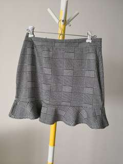 Forever 21 houndstooth stretchy Short Skirt sz L
