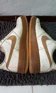 Sepatu nike size 43 original pasti