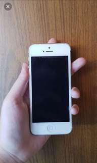 DAPAT 2 HP Iphone 5 32 Gb Silver dan Iphone 5s 32 Gb Silver