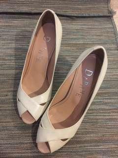 Daphne Premium CollectionPearly Cream White Heels