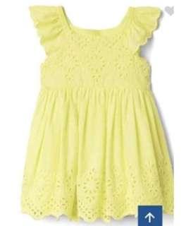 🚚 現貨 GAP 飽和鵝黃色鏤空雕花上衣洋裝