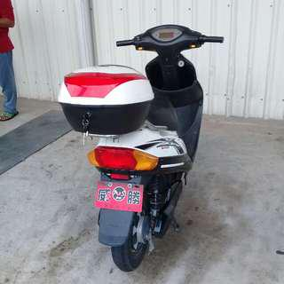 the ebike is more than 1 year but the baterry is new 48 volts 24ah big baterry