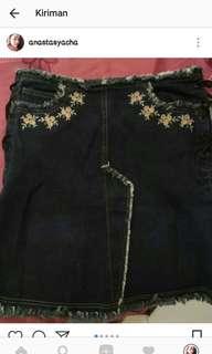 Rok span jeans pendek, modelnya lucu bgt, good condition