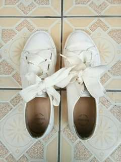 Pull&Bear sneakers white putih original