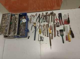 舊工具一批 全部有100元