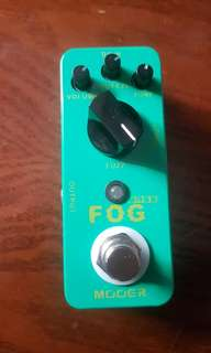 Bass fuzz pedal (mooer mini)