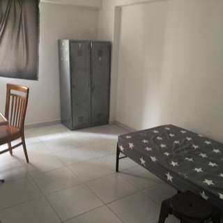 Common room at Tampines for rent.
