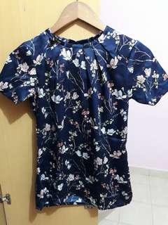 Floral blue top