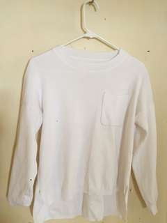 White Kintted Pullover