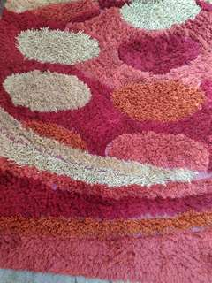 Karpet tebal buat di bawah meja size 105 x 155 cm