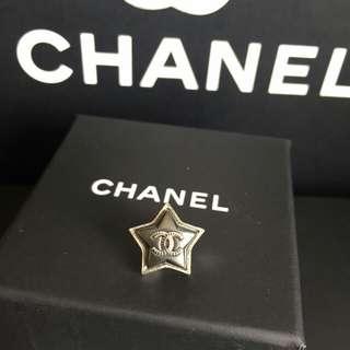 Chanel黑星星耳環(單隻)