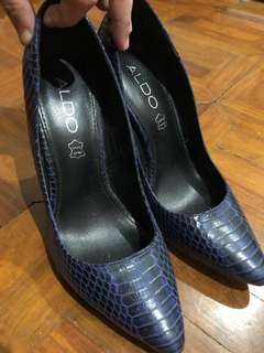 Aldo Snakeskin Blue and black heels