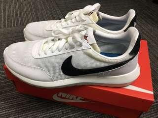 Nike roshe dbreak nm 白色運動鞋