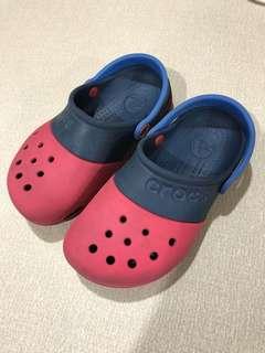 Crocs 童鞋 適合腳長小於18公分